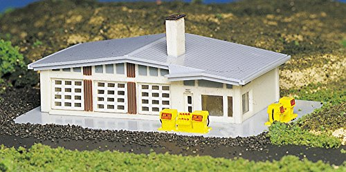 (Bachmann BAC45904 N-Scale Gas Station 1950's-1960's Style Mid-Century Built-Up )