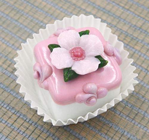 (Handmade Art Glass Primrose atop a White Chocolate Petit Four Gift Home Décor)