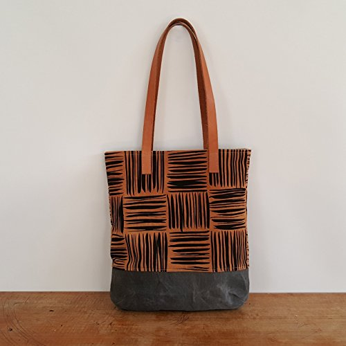 (Organic Shoulder Bag with Basketweave Pattern on Cutch)