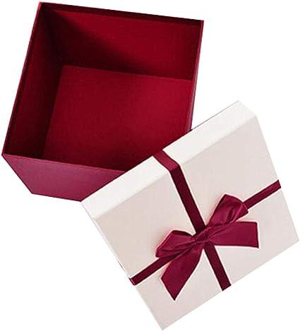 Una caja de embalaje de regalo de cumpleaños romántico Cajas de ...