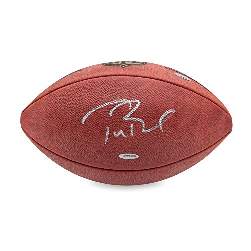 Idolos Tom Brady Authentic Wilson 'Duke' NFL Football