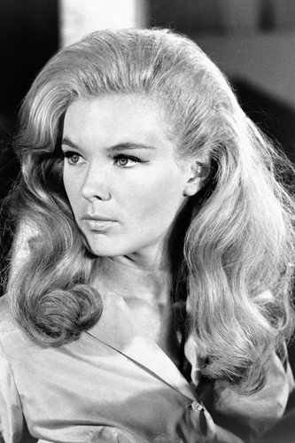 Linda Evans in The Big Valley beautiful glamour pose in blouse 24x36 (Glamour Print Blouse)