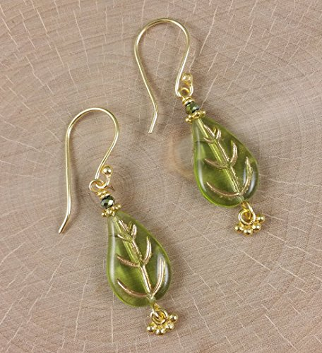 Leaves of Golden Green Earrings in Neutral tones made with Glass Crystals Gold (Pearls Garden Golden)