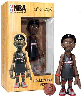 NBA Miami Heat LeBron James Vinyl Figurine Arena Pack