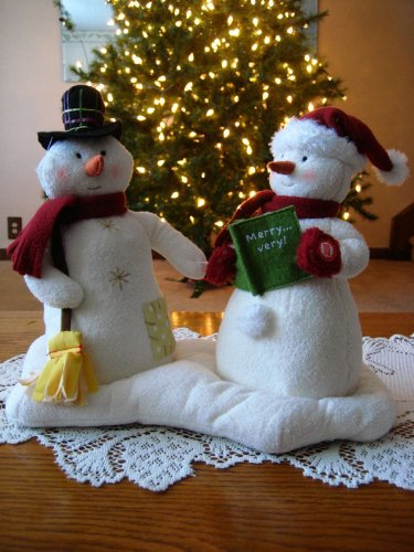 Hallmark Mr and Mrs Snowman Jingle Pals Plush Singing Holiday Display Figures 2003