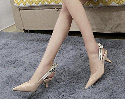 Los zapatos de tacón arco carta gato femeninas con tacones finos señalaron en sandalias de Baotou verano femenino apricot leather