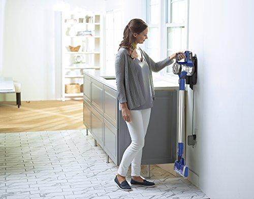 Eureka NEC122A 2-in-1 Vacuum Cleaner on Blue Violet