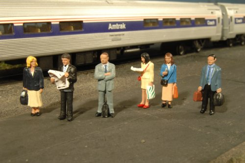 Bachmann Industries Miniature O Scale Figures Standing Platform Passengers Train (6 Piece)