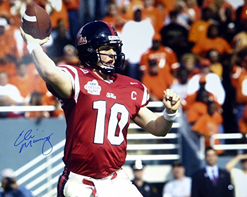 hed 16x20 Photo Ole Miss Rebels - Steiner COA (Eli Manning Autographed 16x20 Photo)