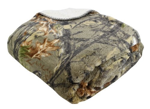 REGAL 50'' x 70'' Sherpa Luxury Throw Blanket - The Woods' Natural Camo by Regal Comfort