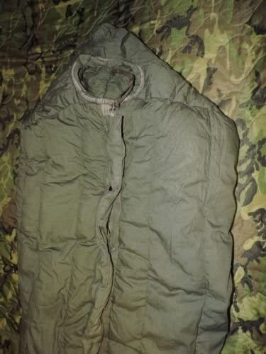 US Military Extreme Cold Weather Green   NEW!