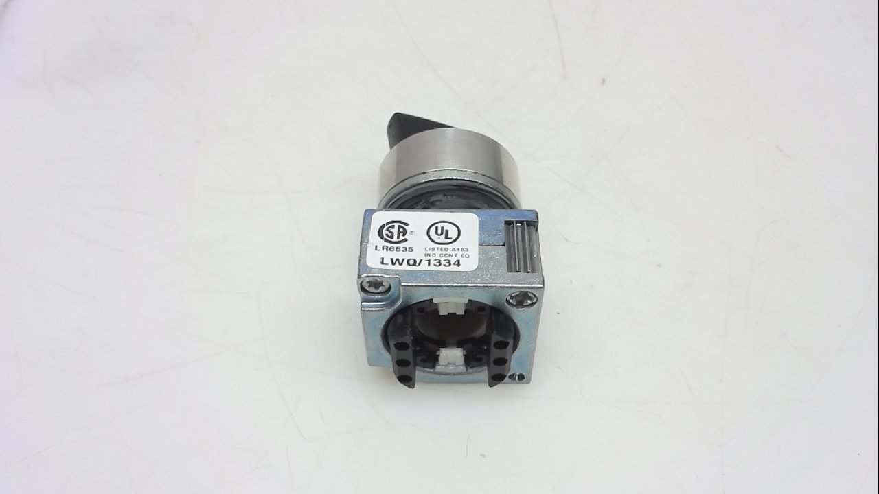 Siemens 3SB36 02-2PA11 Heavy Duty Selector Switch, 2 Switch Positions, Maintained Operation, O-I Switching Sequence, 50 Degree Operating Angle, 1 NO