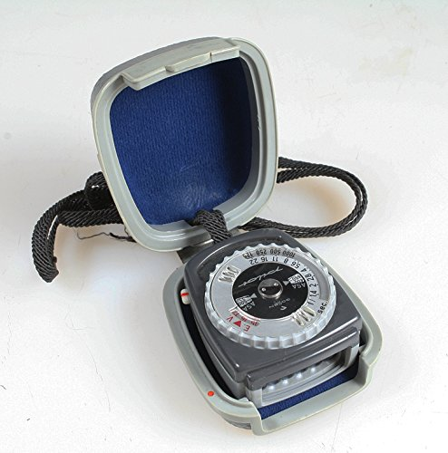 E LIGHT METER WITH ORIGINAL HARD CASE, WORKS ()