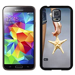 Popular And Unique Designed Case For Samsung Galaxy S5 I9600 G900a G900v G900p G900t G900w Phone Case With Starfish In The Hand 640x1136 Phone Case Cover