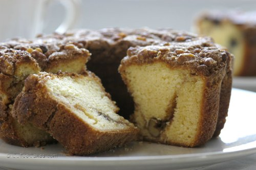 Gourmet Coffee Cake (CoffeeCakes.com Traditional Cinnamon Walnut Coffee Cake)