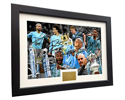 Manchester City Photo - Kitbags & Lockers 2018/19 Season The Treble 12x8 A4 Signed Manchester City Guardiola De Bruyne Agüero Sterling Jesus Sane Autographed Photo Photograph Picture Frame Soccer Gift