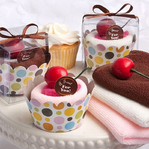 Cupcake design towel favors 1