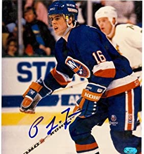 Autograph Warehouse 68928 Pat Lafontaine Autographed 8 x 8 Photo New York Islanders Photo Is Miss Cut
