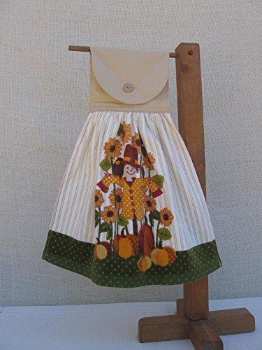 Scarecrow Hanging Kitchen Hand Towel, Pumpkin Patch Fall Harvest Towel ()