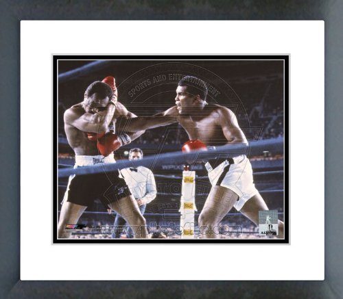 - Muhammad Ali vs Ken Norton at Yankee Stadium 1976 Framed Picture 8x10