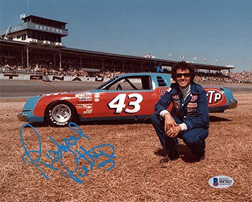 (RICHARD PETTY SIGNED AUTOGRAPHED 8x10 PHOTO NASCAR RACING LEGEND BECKETT BAS)