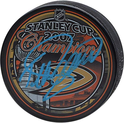 (Teemu Selanne Anaheim Ducks Autographed 2007 Stanley Cup Champions Logo Hockey Puck - Fanatics Authentic Certified)