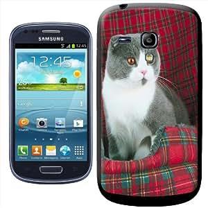 Fancy A Snuggle - Carcasa rígida para Samsung Galaxy S3 Mini i8190, diseño de gato con manta escocesa