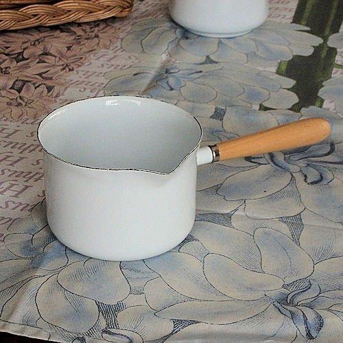 Kitchen Goods Homestead gravy maker white enamel saucepan Nordic Country