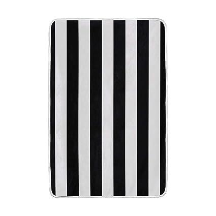 cbd960ac98fa Amazon.com: Lilibeely Ultra Soft Microplush Velvet Black White ...