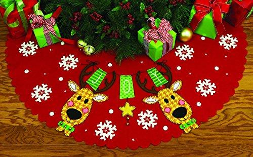 - Dimensions Crafts 72-08270 Needlecraft Reindeer Joy Tree Skirt in Felt Applique