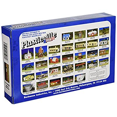 Bachmann Trains - PLASTICVILLE U.S.A. BUILDINGS – CLASSIC KITS - FARM BUILDINGS with ANIMALS - HO Scale: Toys & Games