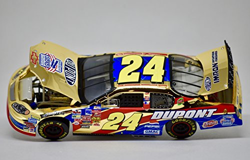 2003 - Action / NASCAR - Jeff Gordon #24 - DuPont / Wright Bros. - 1 of 316 - Gold Stock Car - 1:32 Scale die Cast - Rare ()