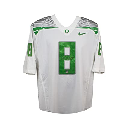 124bdf87a Image Unavailable. Image not available for. Color  Marcus Mariota  Autographed Oregon Ducks Nike White Football Jersey ...