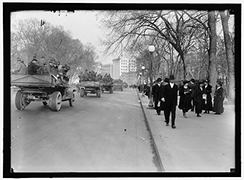 24 x 18 Art Canvas Wrapped Framed Print of Army, U.S. Soldiers Going Through City in Trucks and Autos 1918 Harris & Ewing 55a ()