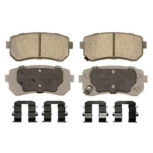 Hyundai Accent Brake Pads (Wagner ThermoQuiet QC1398 Ceramic Disc Pad Set With Installation Hardware, Rear)