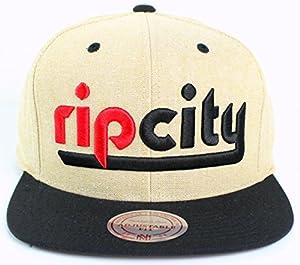 de6a5ed17b7 Amazon.com  Mitchell   Ness NBA Summer Sand Linen Snapback Cap (One ...