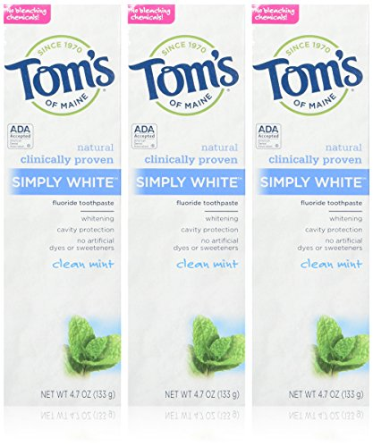 Tom's of Maine Simply White Toothpaste, Clean Mint, 3 Count