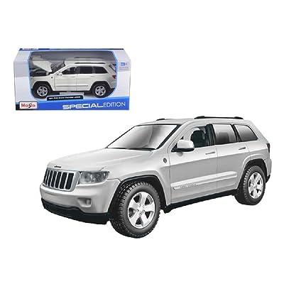 1-24 Jeep Grand Cherokee Laredo: Toys & Games
