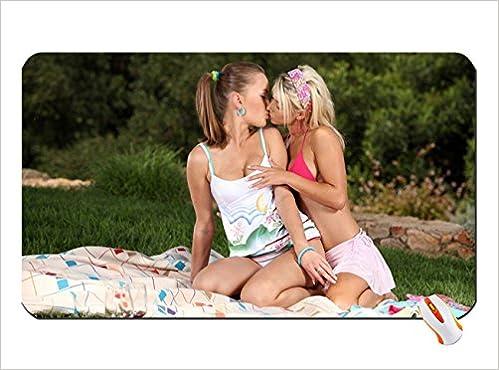 Women Panties Lesbians Kissing Kissing Girls Two Girls Tank