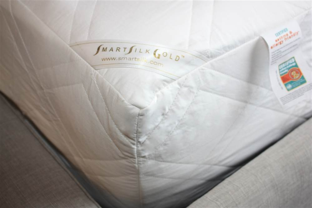 Mattress Protector in White (King: 80 in. L x 76 in. W x 16 in. H (10.2 lbs.))