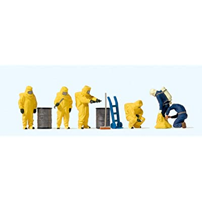 Preiser 10733 Firemen with yellow chemical resistant suits Fire brigade: Toys & Games