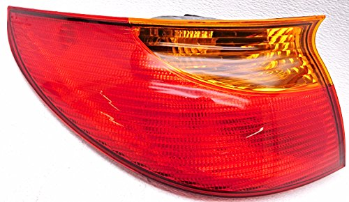 (Genuine GM Parts 21112649 Driver Side Taillight Lens/Housing )