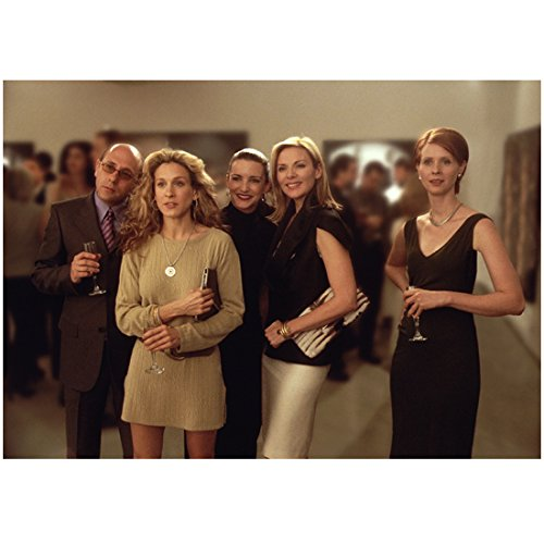 - Sex and the City Girls Sarah Jesscia Parker kim cattrall Kristin Davis and Cynthia Nixon Holding Champagne 8 x 10 Inch Photo