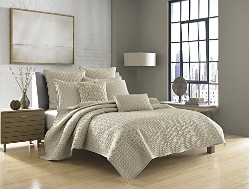 five-queens-court-catori-king-coverlet-beige