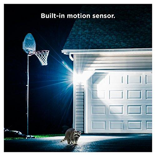 Sengled LED Flood Light with Motion Sensor & Daylight Sensor, Smart LED Light Bulb PAR38, Dusk to Dawn Bulb, Waterproof 3000K for Outdoor Use, 2 Pack by Sengled (Image #4)