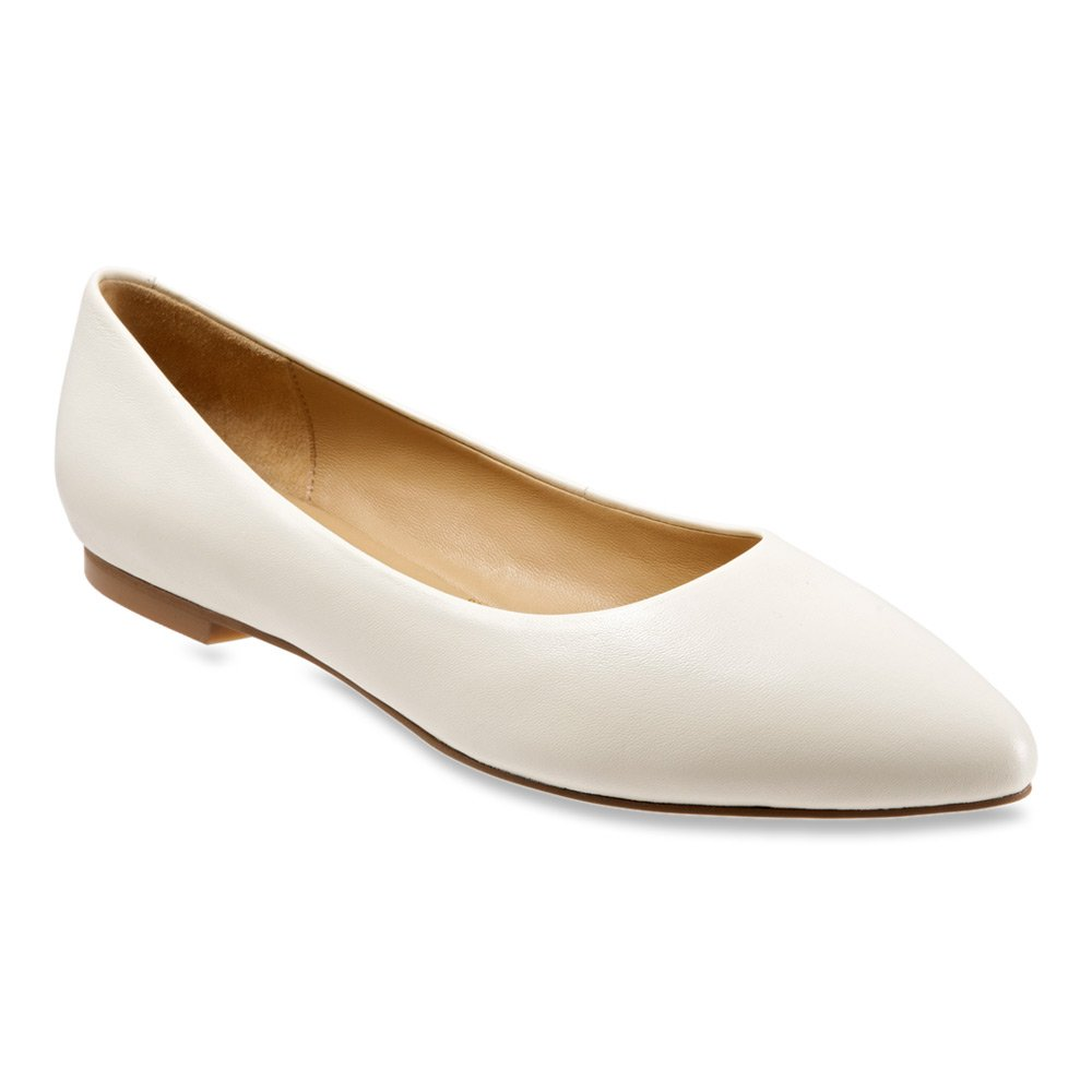 Trotters Women's Estee Ballet Flat B011EZH0OS 6 C/D US|Off White Soft Nappa Leather