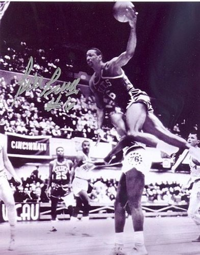 Bill Russell Signed Photo - 8x10 Dunking Over Someone - Autographed NBA (Bill Russell Autographed Photograph)