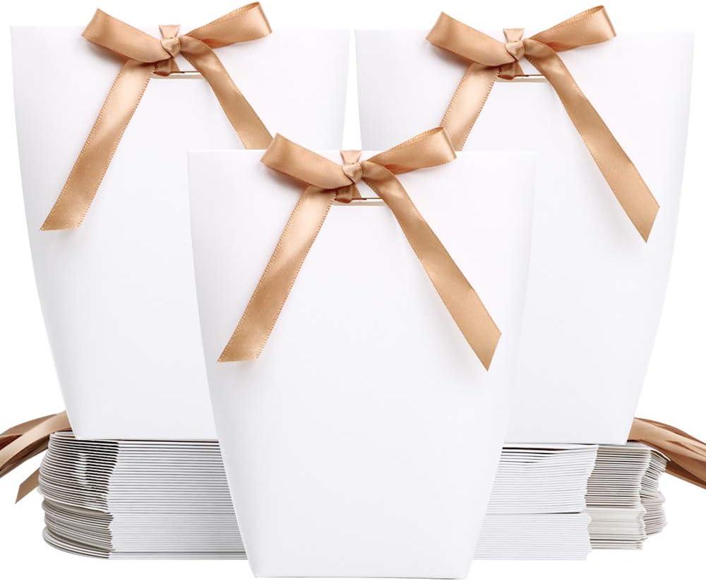 FLOFIA 50pcs Cajas de Caramelos Regalo de Papel Cartón Blanco Bolsas para Boda Cumpleaños Comunión Bautizo Fiesta Navidad Dulces Bombomnes Galletas Detalles Eventos con Cinta (13,5 x 16,5cm)