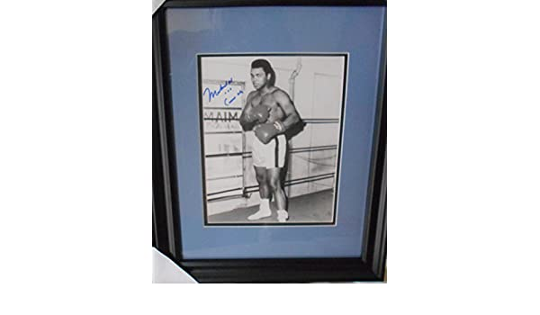 Signed 8x10 photograph Mohammad Ali aka Cassius Clay at Amazons Sports Collectibles Store