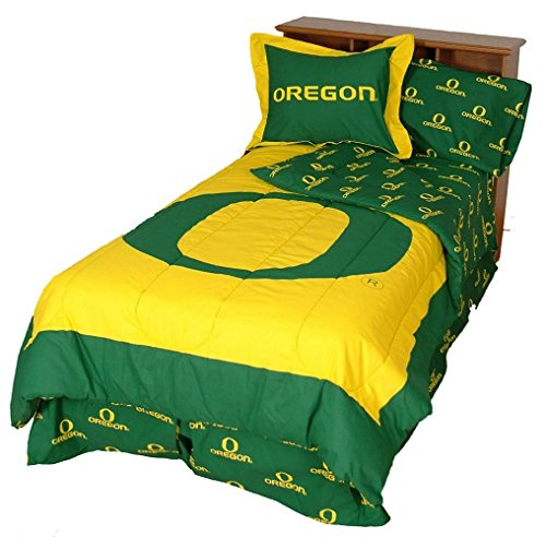 Oregon Ducks (3) Piece QUEEN Size Reversible Comforter Set - Includes: (1) QUEEN Size Reversible Comforter and (2) Pillow Shams - Save Big By Bundling! by College Covers